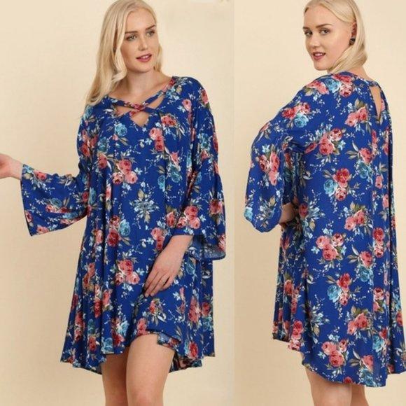 Umgee Dresses & Skirts - Umgee NWT Royal Blue Floral Bell Sleeve Dress 2XL